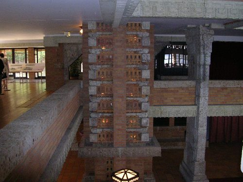 明治村帝国ホテル 光の柱 詳細