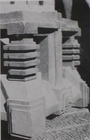 「装飾テラコッタコーナー用役物」 鋳込み成形とは言え、成形技術の高さに驚かされる。